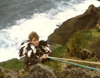 Puffin_hunter_in_Sudurey